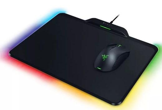 лучшая цена Razer Mamba HyperFlux & Razer Firefly HyperFlux Bundle – Wirelessly Powered Mouse and Wireless Power Mouse Mat - FRML Packaging