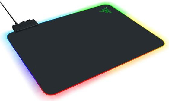 лучшая цена Razer Firefly V2 - Hard Surface Mouse Mat with Chroma - FRML Packaging