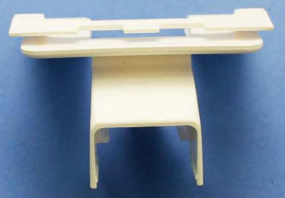Адаптер на рамку Legrand для установки на торце мини-плинтуса dlplus 20х12,5 белая 31640