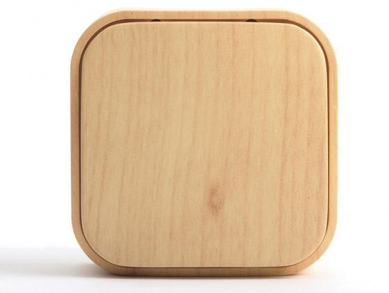 Одноклавишный выключатель Quteo 10A дерево 782260 выключатель legrand quteo 10а 1 клавиша белый 782300