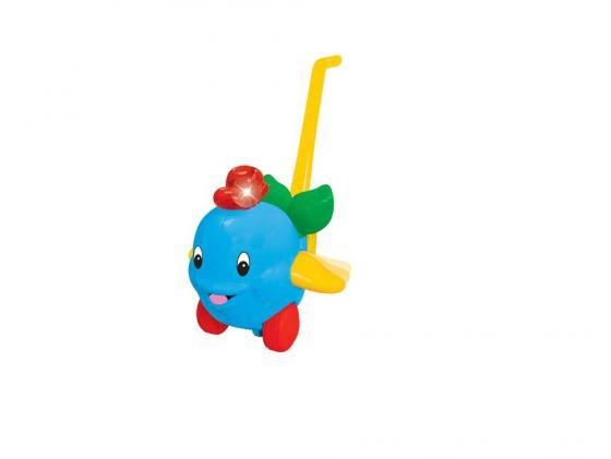 Каталка на палочке Kiddieland Дельфин пластик от 1 года музыкальная голубой KID 049577 kiddieland игрушка каталка дельфин