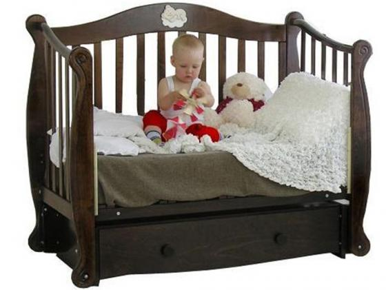 Кроватка с маятником Красная Звезда Валерия (шоколад/резьба №19/накладка 22) кроватка с маятником красная звезда артем белый накладка 6