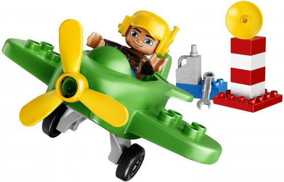 Конструктор LEGO Duplo Маленький самолёт 13 элементов 10808 конструктор lego duplo лошадки 20 элементов 10806