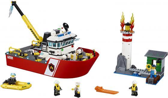 Конструктор Lego City Пожарный катер 412 элементов 60109