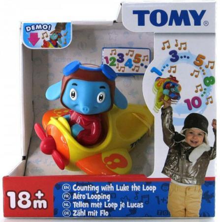Интерактивная игрушка Tomy Весёлые Виражи Летчика Люка от 18 месяцев разноцветный игрушки интерактивные tomy интерактивная игрушка веселые виражи летчика люка