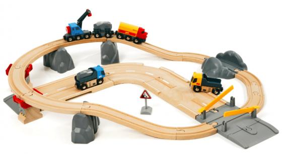 Железная дорога Brio с автодорогой и переездом 33210 железные дороги brio железная дорога с автодорогой и переездом