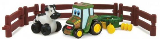 Игровой набор Tomy Приключения трактора Джонни и коровы на ферме 9 предметов 37722-1 tomy игровой набор приключения трактора джонни и поросенка на ферме с 18 мес