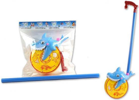 Каталка на палочке S+S Toys Веселая акула пластик от 1 года с ручкой желто-голубой каталка s s toys лев 0371 в пакете