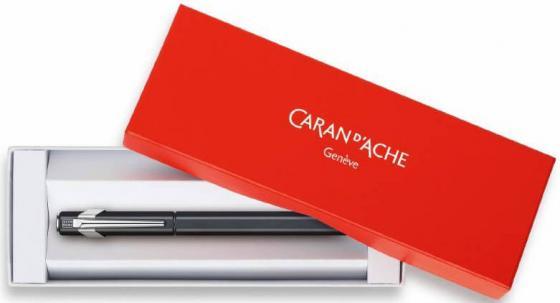 Коробка Carandache Office 849 для 1-2х ручек картон красный/белый 9200.200