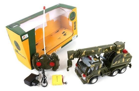 Машинка на радиоуправлении Shantou Gepai Военный автокран хаки от 6 лет пластик машинка shantou gepai на радиоуправлении uj99 42