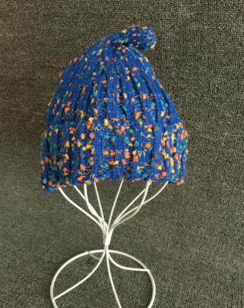 Шапка вязанная синяя с точкой AS 0300 шапка женская bradex цвет бежевый as 0301 размер универсальный