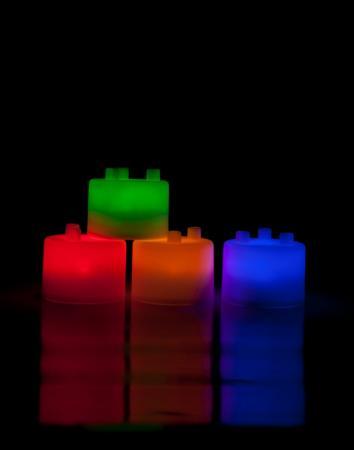 Лампа-ночник из цветных блоков «СЕМИЦВЕТИК» TD 0304 ночник с датчиком движения ночной снайпер bradex цвет мультколор td 0321