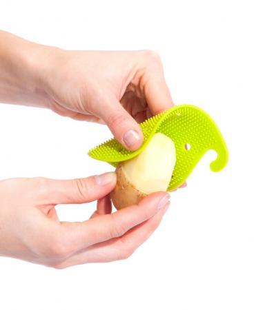 Губка для чистки овощей и фруктов многофункциональная, зеленая TK 0207 удалитель хвостиков из овощей и фруктов tk 0128