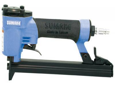 Пистолет гвоздезабивной пневматический SUMAKE F-18/30 гвоздь 10-30мм 1х1.25 степлер пневматический sumake 777 16 bj