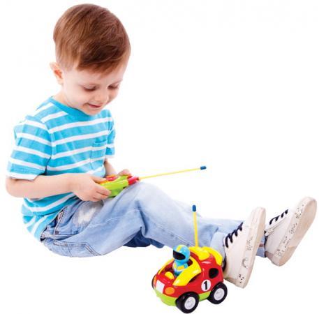 Интерактивная игрушка Жирафики Гонщик от 18 месяцев интерактивная игрушка жирафики каруселька для купания от 18 месяцев разноцветный 681124