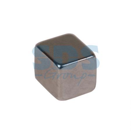 купить Неодимовый магнит куб 5х5х5мм сцепление 0,95 кг (упаковка 16 шт) Rexant по цене 209 рублей