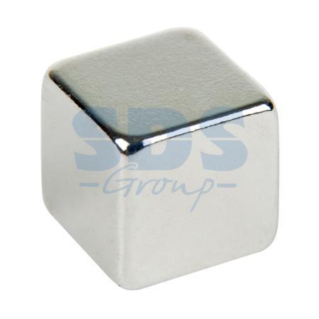 купить Неодимовый магнит куб 8х8х8 мм сцепление 3,7 кг (Упаковка 4 шт) Rexant по цене 209 рублей