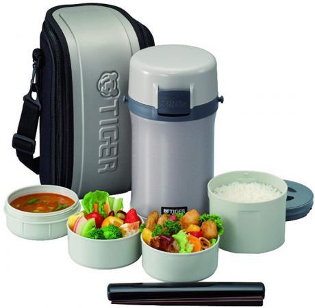 Термос для еды с контейнерами Tiger LWU-F200 Warm Silver (цвет серебряный, в комплекте контейнеры 0,61л, 2x0,3л, 0,27л, жесткий чехол с регулируемым н термос для еды с контейнерами tiger lwu a171 charcoal gray 0 61л 0 34л 0 27л палочки для еды в чехле регулируемый наплечный ремень