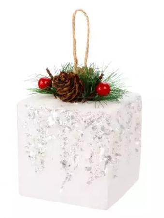 цена Елочные украшения Новогодняя сказка Подарок 8 см 1 шт дерево, полимер онлайн в 2017 году