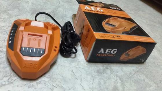 цена на Зарядное устройство для AEG Li-ion L1215G3, L1220G3, L1415G3, L1420G3